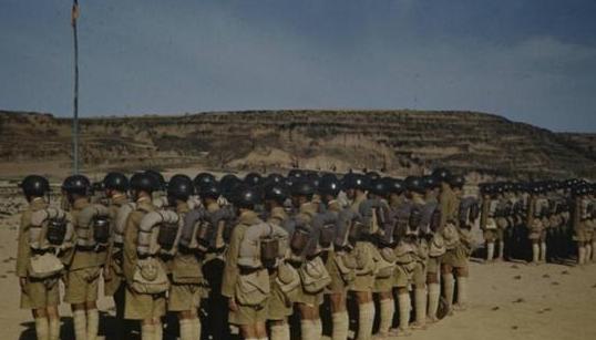 十万青年十万军:青年远征军的海外生活